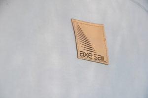 Sellerie Nautique - Logo cuir - Finitions sur-mesure